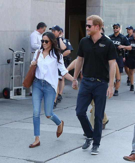 Harry a Meghan se v listopadu zasnoubili. Vezmou se příští rok na jaře.