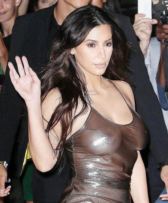 Kim manželovi na koncertě ostudu určitě neudělala...