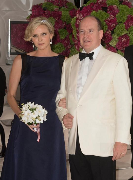 Kníže Albert II. s chotí Charlene