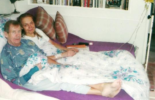 Neupravená a jen v pyžamu, zato šťastná.