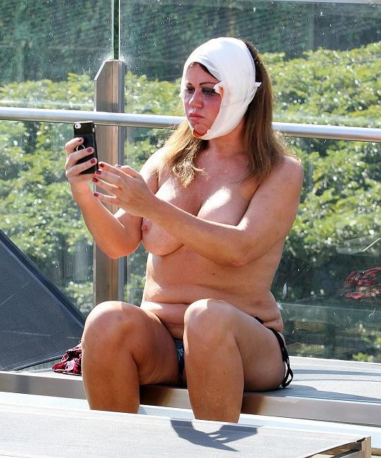 Komu asi pošle tohle pekelné selfie?