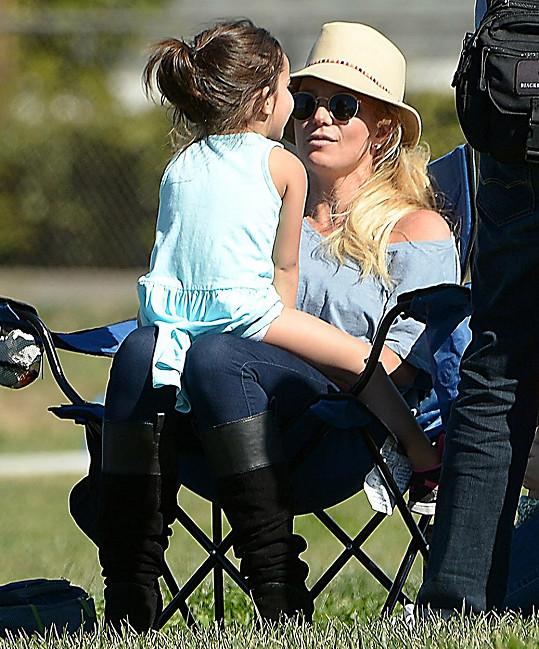 Tetička Britney se Sophií