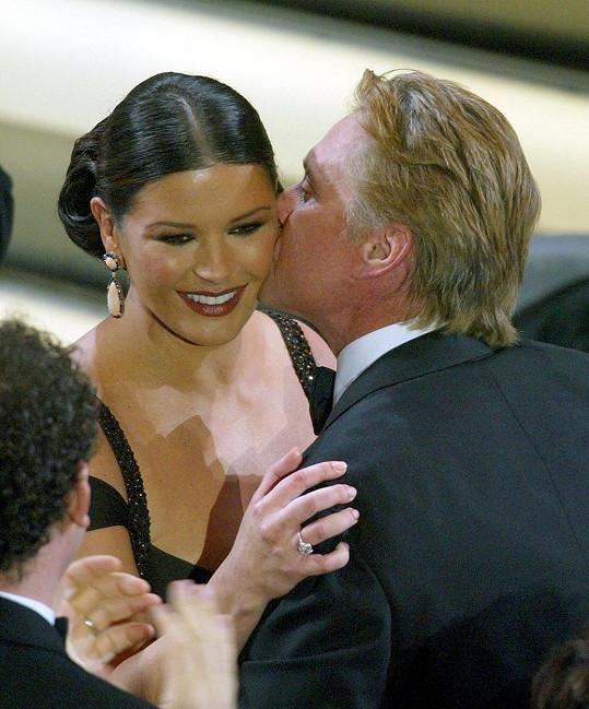 Mezi prvními gratulanty byl její manžel, herec Michael Douglas.