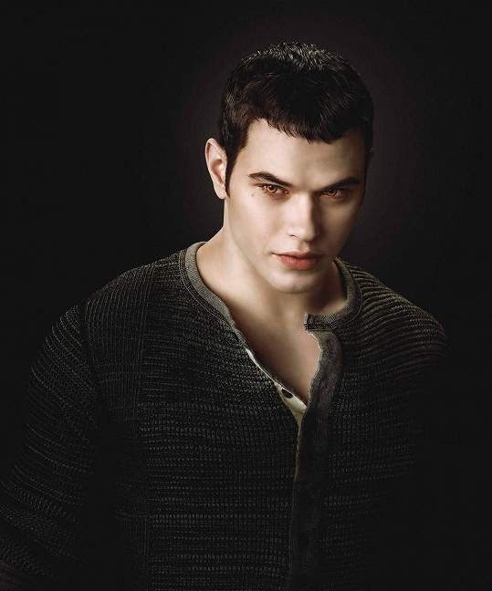 Kellana si fanoušci Stmívání dobře pamatují jako Emmetta Cullena.