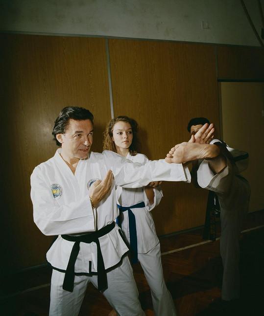 S dcerou Dominikou vyzkoušel i bojové umění.