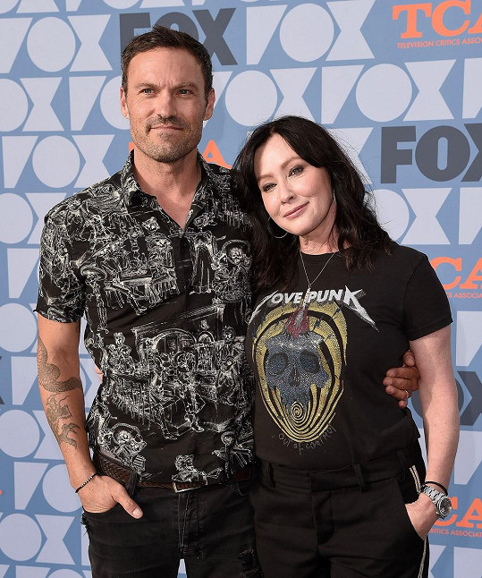 O nemoci řekla jedinému kolegovi ze seriálu Beverly Hills 90210, herci Brianu Austinovi Greenovi.