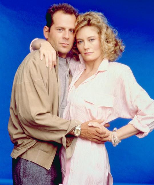 Cybill Shepherd a Bruce Willis v seriálu Měsíční svit.
