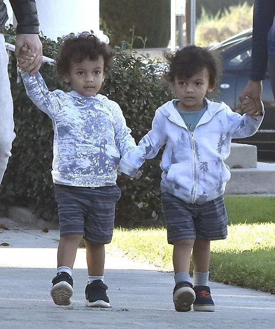 Herečka má s manželem dvouletá dvojčata.