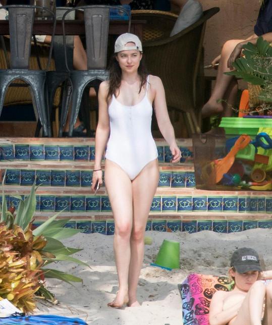 Dovolenou trávila v Miami kombinací sladkého nicnedělání a aktivního odpočinku.