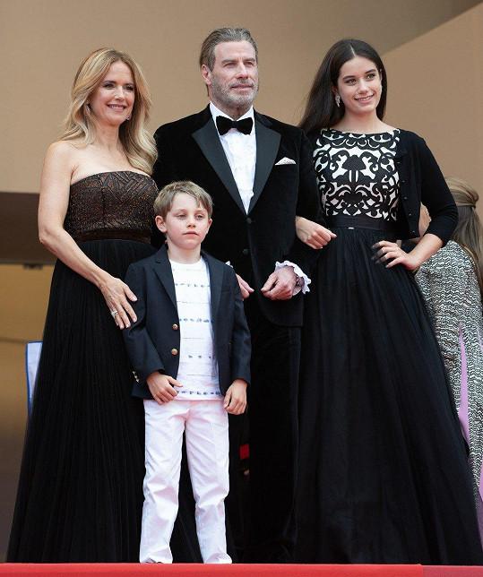 Travolta vzal na film Solo: A Star Wars Story celou rodinu.