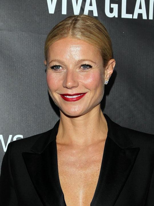 Gwyneth Paltrow si naopak pedikúru uměla užít...