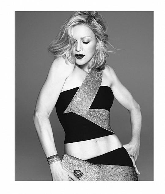 Madonna ukázala své svalnaté tělo.