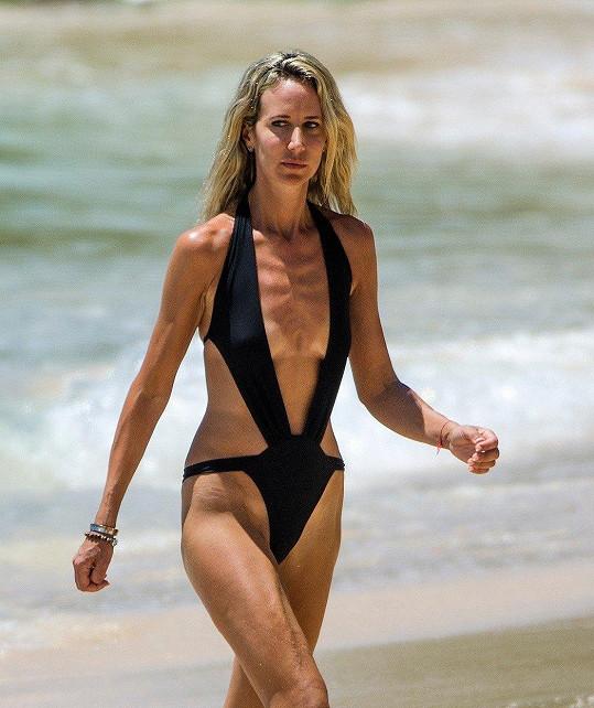 Lady Victoria Hervey vyrazila na pláž.
