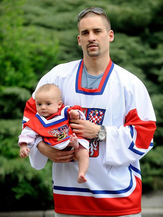 Koncem roku 2011 se stal otcem syna Matyáše.