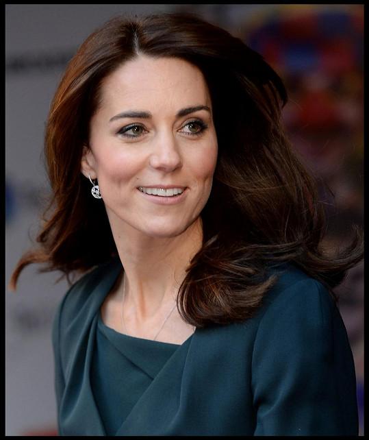 Kate předvedla kratší vlasy.
