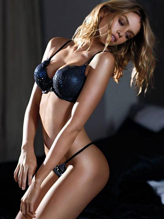 Belgická modelka se může pochlubit výstavními křivkami.