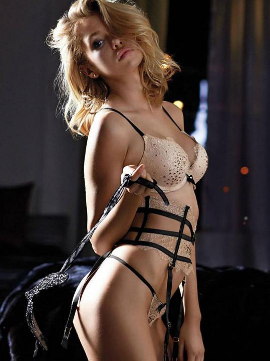 Stella Maxwell je další kráskou, která pózuje pro Victoria's Secret.