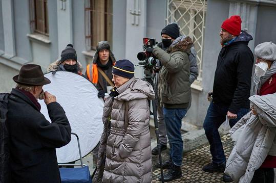 Iva Janžurová při natáčení