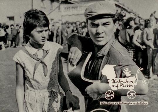 Jedna z prvních rolí ve filmu Kuřata na cestách (1962)