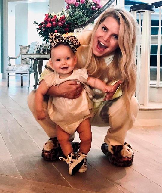 V březnu se stala potřetí maminkou i Jessica Simpson. S manželem Ericem Johnsonem přivítali dcerku Birdie.