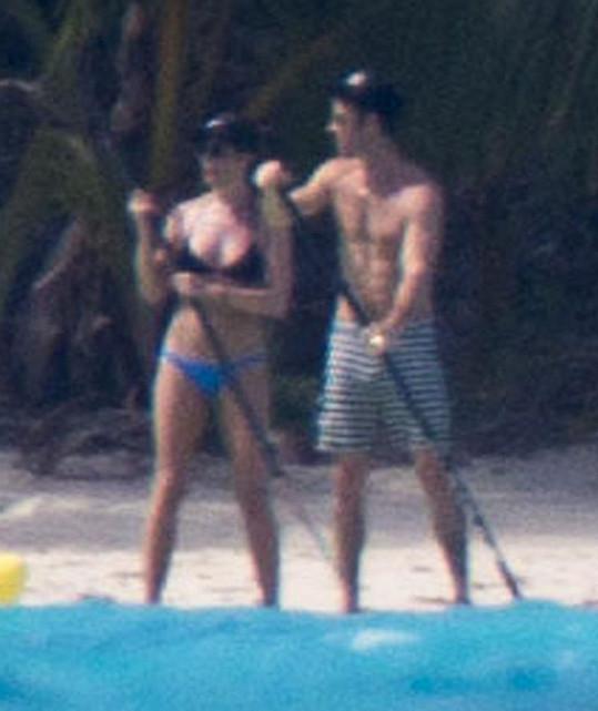Novomanželé vyrazili do tropického ráje.