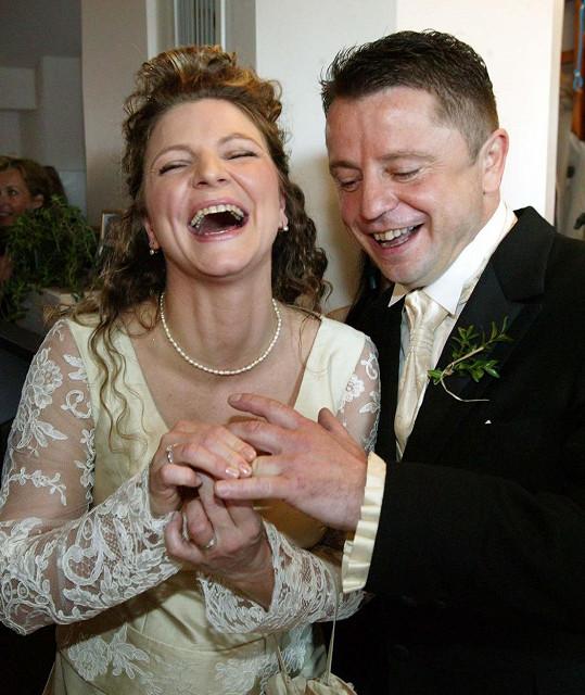 Petr Muk se ženil na apríla roku 2006.