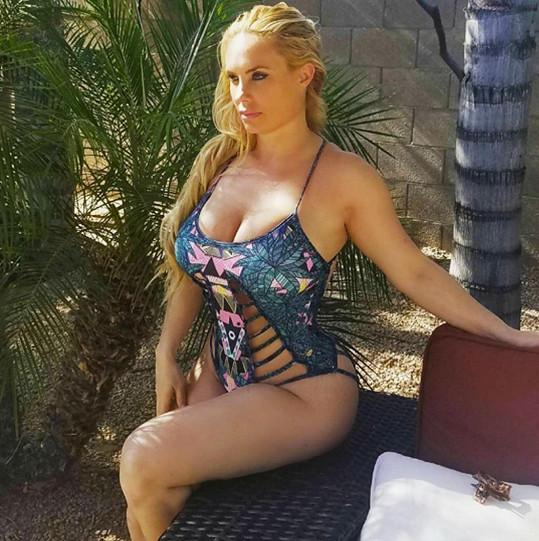 Coco Austin si pořídila nové plavky.