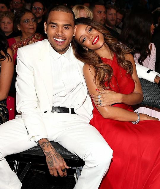 Rihanna se od něj místo miminka dočkala jen násilí.