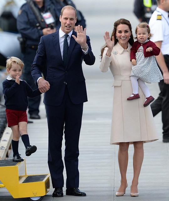Takhle se britská královská rodina loučila s Kanadou...