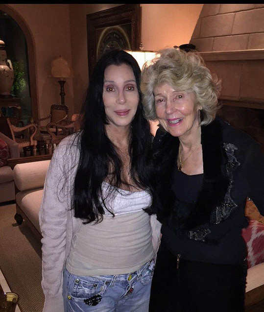 Cher s matkou Georgiou