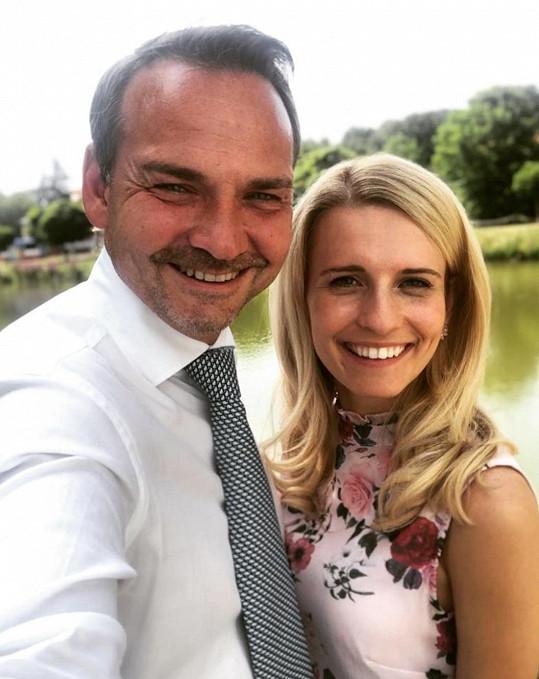 Míša se snoubencem Filipem Švarcem, známým českým dabérem.