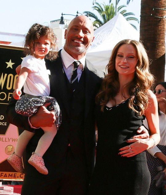 Johnson s manželkou a prostřední dcerou Jasmine