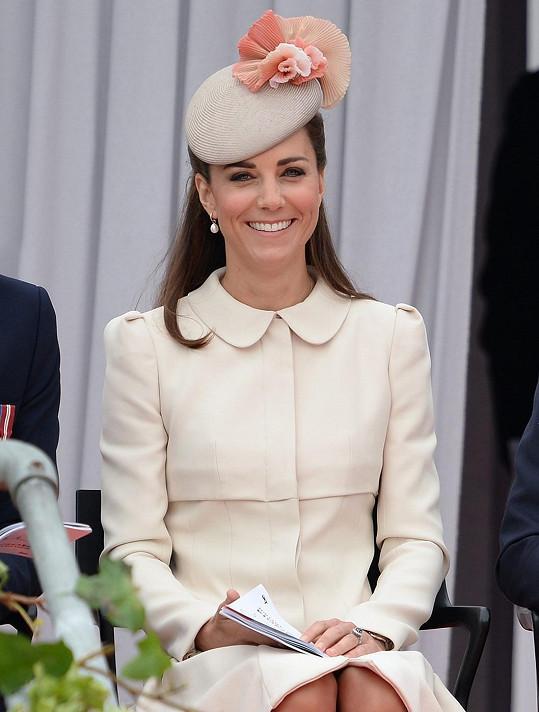 Vévodkyně z Cambridge nejspíš zásilku od Britney Spears nepřijme.
