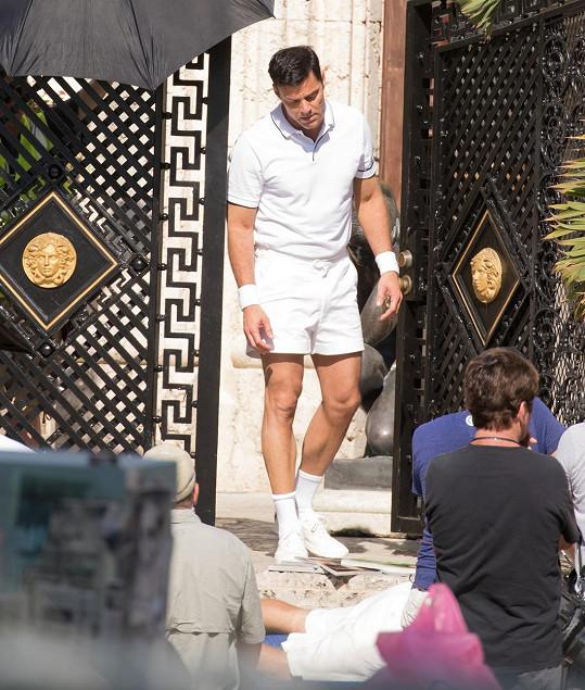 Ricky Martin při natáčení televizní série Versace: American Crime Story.