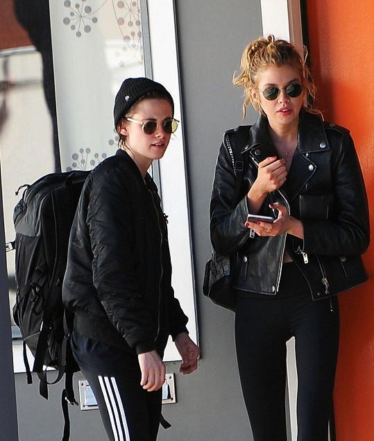S modelkou Stellou Maxwell randila do listopadu loňského roku.