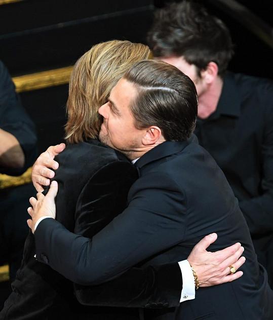 Brad a Leo se netají tím, že jsou blízcí přátelé.
