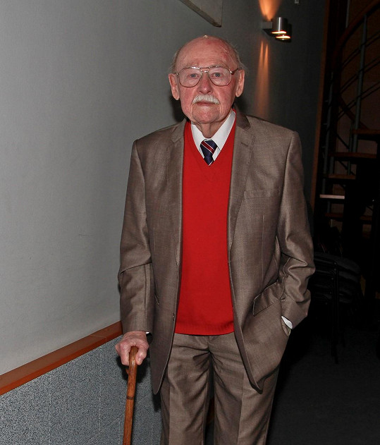 V roli dr. Jánského si režisér původně představoval svého bratra Lubomíra Lipského.
