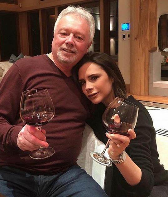 Victoria Beckham s otcem Anthonym Adamsem