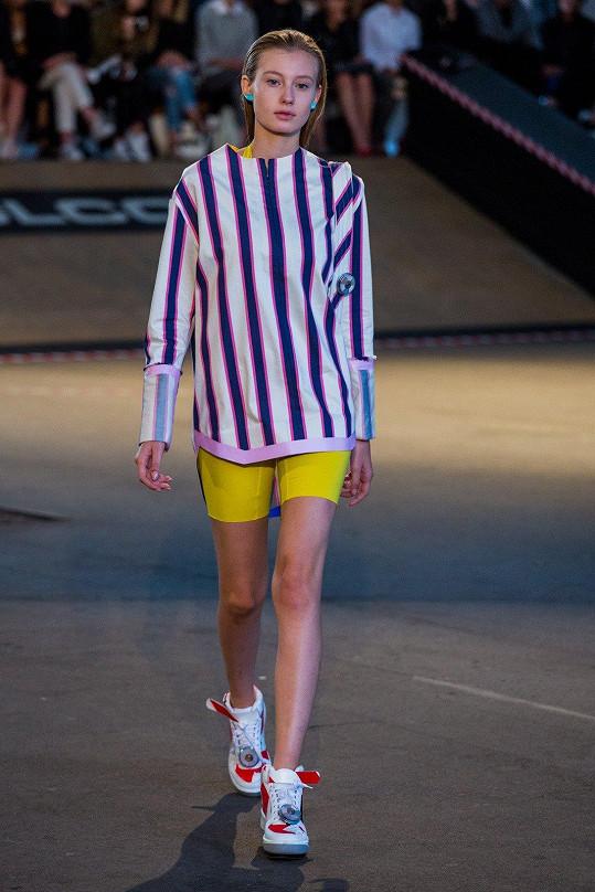 Diana na akci předváděla téměř pro všechny návrháře, včetně respektovaného designéra Jakuba Polanky.