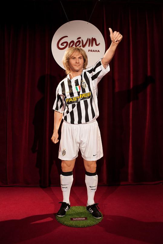 Od včerejška se počet soch rozrostl o bývalého reprezentanta a kapitána českého národního týmu, držitele Zlatého míče pro nejlepšího fotbalistu Evropy z roku 2003, dlouholetého hráče turínského Juventusu a nyní člena jeho správní rady Pavla Nedvěda.