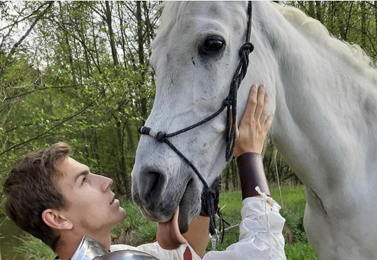 David se s valachem Bojanem musel nejdřív poznat. Nebylo to prý těžké, kůň byl přátelský.