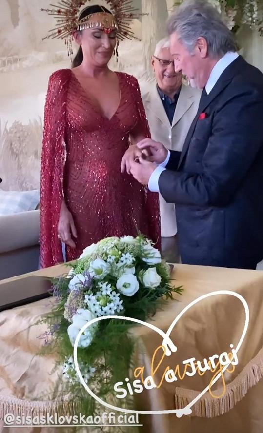 Sisa Sklovská se podruhé vdala.