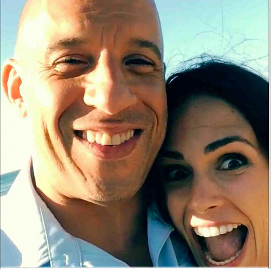 S kolegou Vinem Dieselem během natáčení Rychle a zběsile 7