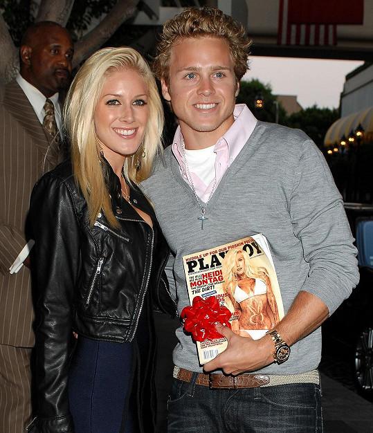 Takhle se v roce 2009 chlubil Spencer Pratt manželčinou obálkou Playboye.