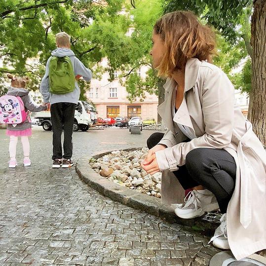 S těžkým srdcem vypravila po prázdninách děti do školy Laďka Něrgešová.