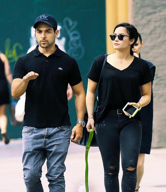 Wilmer Valderrama s Demi Lovato