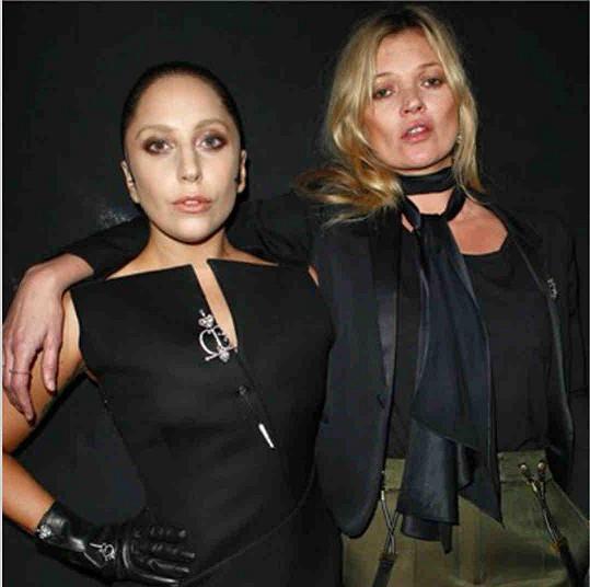 Lady Gaga poznala, jaké je pařit s Kate Moss.