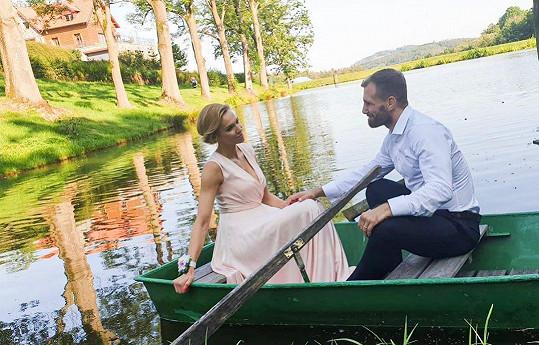 S manželem Andrém působí jako idylický pár.