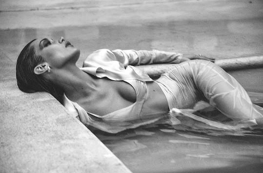 Ve 23 letech dobyla svět modelingu.