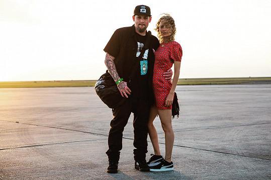S manželem Joelem Maddenem